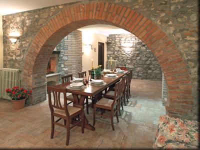 Casale in affitto in umbria affitto casale in umbria for Affitto castello roma